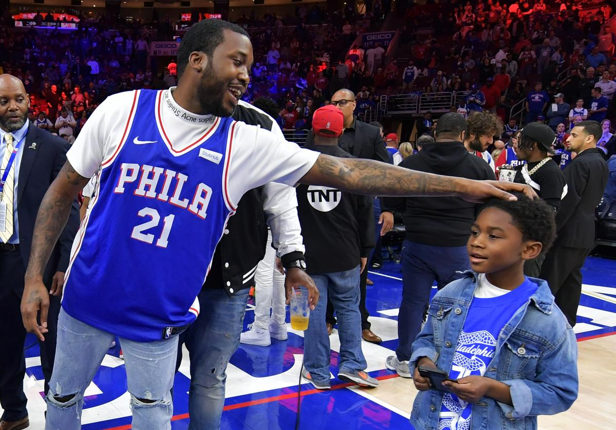 Meek Mill & his son at 76ers game
