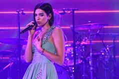 "Dua Lipa Performs ""Don't Start Now"" &""Levitating"" On SNL"