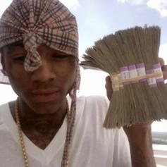Soulja Boy - Money Is On Me Feat. Lil 100