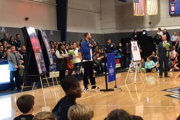 """Watch Riley Curry's """"Dab-Off"""" During Stephen Curry's HS Jersey Retirement Ceremony"""