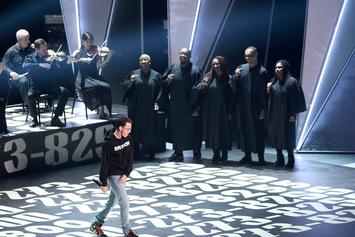 "Logic Performs ""1-800-273-8255"" At MTV VMAs"