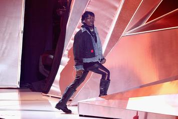 "Lil Uzi Vert Performs ""XO Tour Llif3"" & ""Sauce It Up"" On TRL"