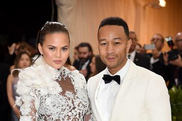 """Chrissy Teigen's Narration Of 8-Hour """"Flight To Nowhere"""" Is Hilarious"""