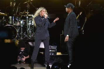 """Jay-Z & Beyonce Perform On A Floating Stage During """"OTR II"""" Tour"""