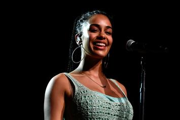 """Jorja Smith Stuns In Red Performing """"February 3rd"""" On """"Jimmy Fallon"""""""