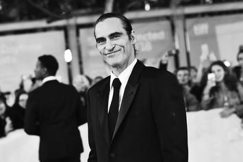 """Joaquin Phoenix Spotted As """"The Joker"""" For The Very 1st Time In Public"""