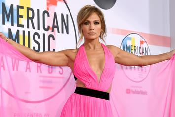 Jennifer Lopez Shows Off Her Toned Abs With Latest Fitspo