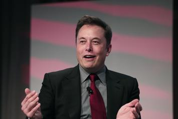 """""""Fortnite"""" Trolls Elon Musk For Joking About Buying & Deleting The Game"""