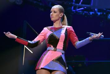"""Iggy Azalea Responds To Trolls Urging Her To Sign Porno Contract: """"This Is Gross"""""""