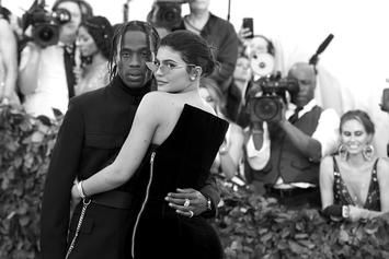 """Travis Scott & Kylie Jenner Remain """"Not Engaged"""" Despite Wooing With Flowers"""