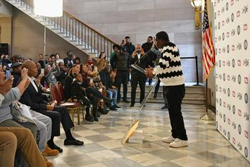 """Tracy Morgan Hoists The """"Key To Brooklyn"""" In Emotional Ceremony"""