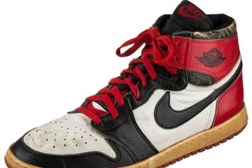 """Air Jordan 1 """"Black Toe"""" From 1984 Going For $8500 At Auction"""