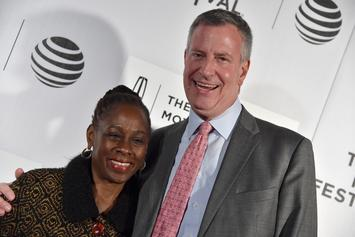 """NYC Mayor Bill de Blasio Is Catching Heat For Flapping Arms To """"I Believe I Can Fly"""""""