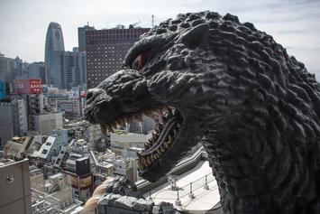 """""""Godzilla: King Of The Monsters"""" Director Suggests Crossover With """"The Avengers"""""""