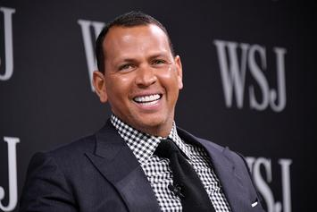 This Picture Of Alex Rodriguez Sitting On The Toilet Is Going Viral
