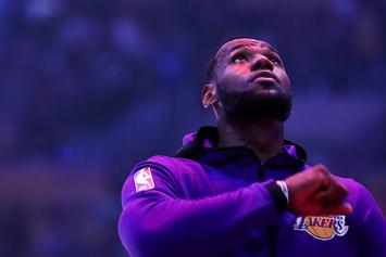 """LeBron James Offers """"King Service Announcement"""" About Social Media"""