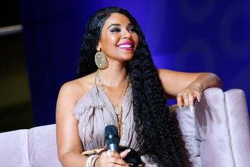 Ashanti Gives Front And Back View Of Her Spectacular Concert Attire