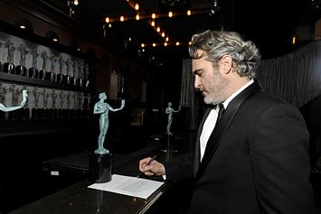Joaquin Phoenix Pays Tribute To Heath Ledger In SAG Awards Acceptance Speech