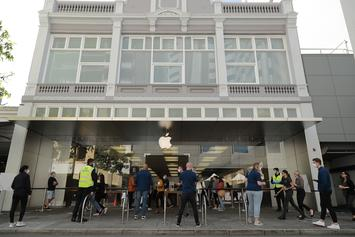 Apple Stores Re-Opening: Customers Temperature To Be Taken, Face Masks Required