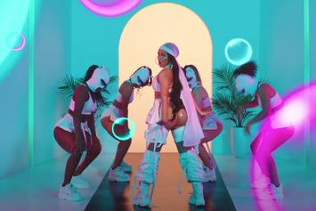 """Doja Cat & Gucci Mane Have Fun With Animation In """"Like That"""" Video"""