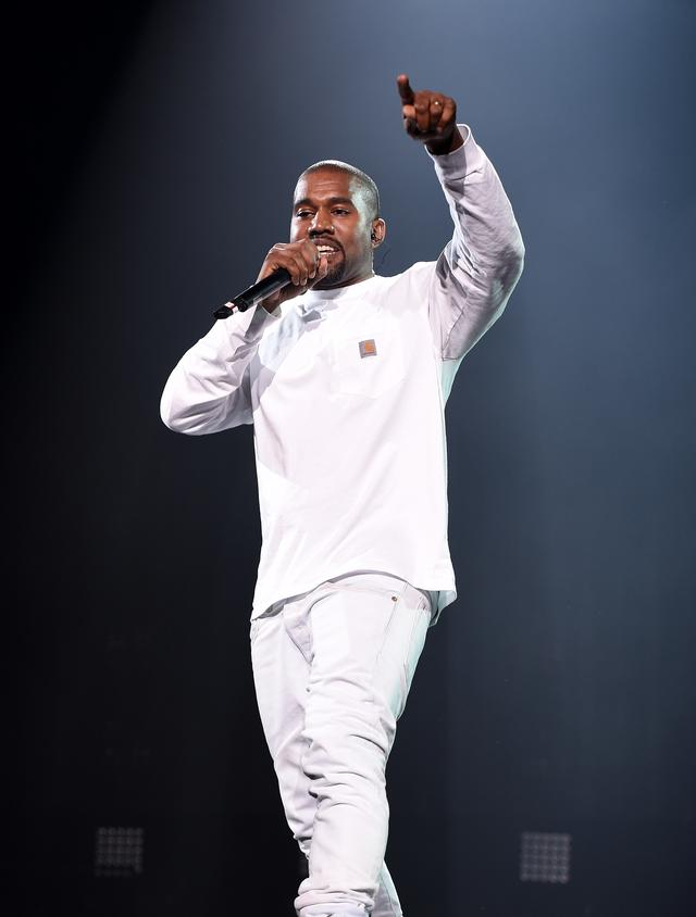 Kanye West performing at Bad Boy reunion tour
