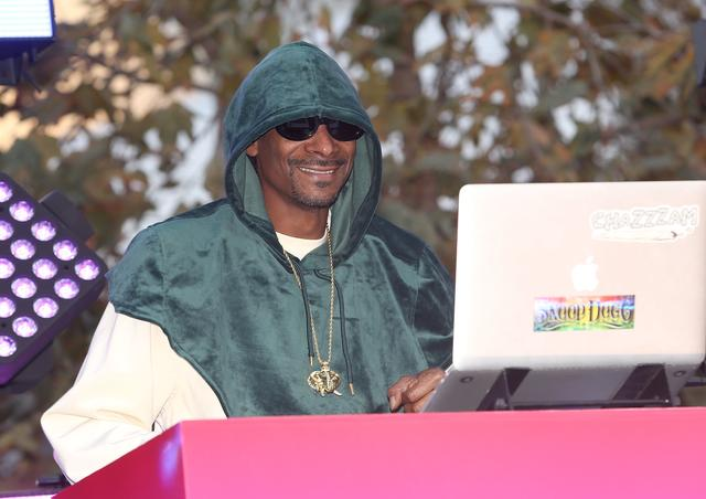 Snoop Dogg at Viacom Hollywood Office opening