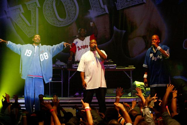 Warren G, Snoop Dogg & Nate Dogg performing