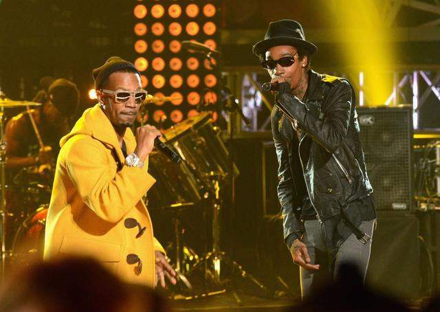 Wiz Khalifa and Juicy J performing at BET Hip-Hop Awards