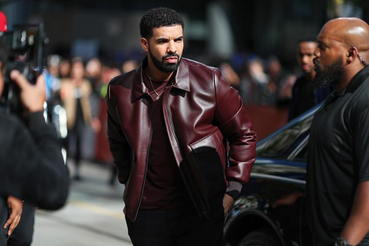 Drake stages epic Degrassi reunion for 'I'm Upset' video