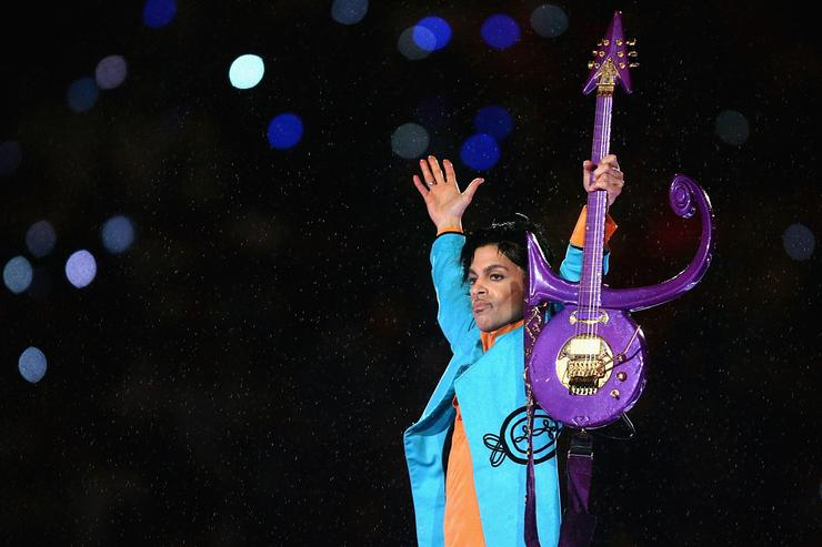 Prince on stage at the SuperBowl halftime show, 2007.